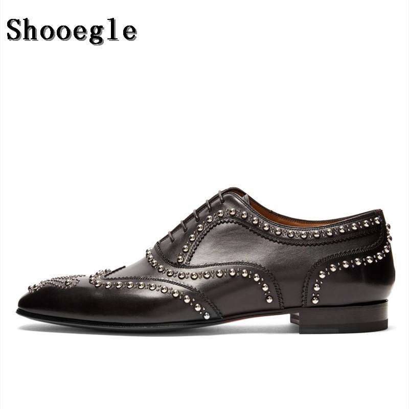 e93e9f98 Compre SHOOEGLE Hombres De Lujo De Cuero Dividido Zapatos Oxfords Plateados  Negros Zapatos De Negocios Zapatos De Boda Hechos A Mano Con Cordones De  Los ...