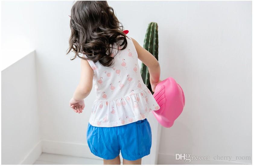 Moda 2018 bambini ragazze che coprono gli insiemi vestiti del bambino del fenicottero vestito dell'arco del fumetto top + bicchierini vestiti vestiti casuali del bambino C3513