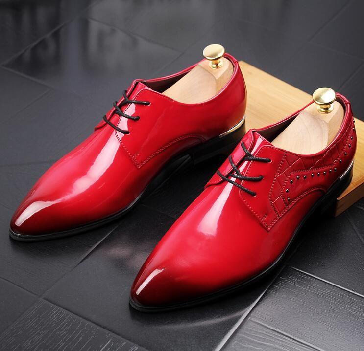 Nuovi scarpe da uomo a punta scarpe eleganti in pelle verniciata di lusso moda sposo scarpe da sposa uomo Oxford scarpe formali i