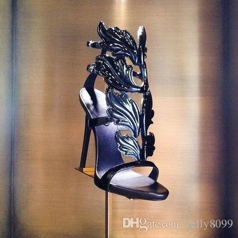 VENTE CHAUDE Incroyable Lady Angel Wings Noir Nude Mince Talons Sandales Gladiator Rome Wedge Femmes Golden Leaf Cuir Pompes Sandales Chaussures