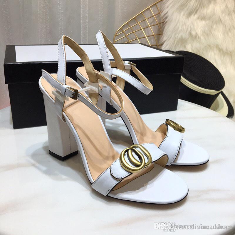 5aed70d6f66 Compre Nuevas Sandalias De Punta Abierta De Mujer Moda Europa Marca De Lujo  Zapatos De Tacón Alto Zapatos De Cuero Blanco Celebrity Wearing Metal Ring  High ...