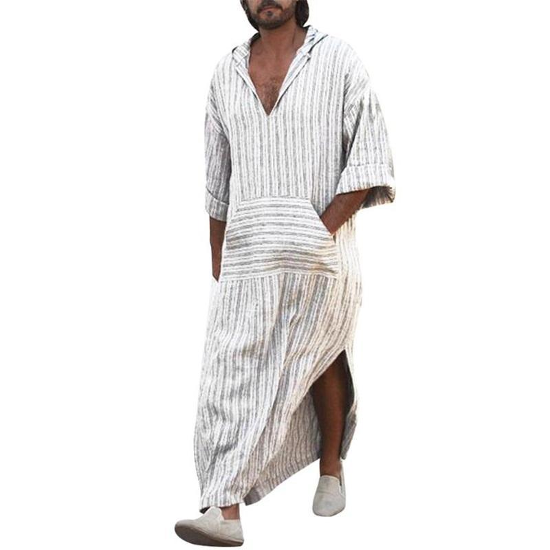 5d3c94954138 Acquista 2018 Uomini A Strisce Stile Musulmano Robe Nature Lounge  Abbigliamento Da Uomo Kaftan Homme Robes Arabia Saudita Figura Intera  Cotone Lino Manica A ...