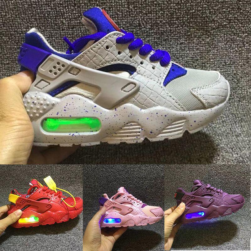 brand new e3684 0cbaf Großhandel Nike Air Huarache Flash Light Air Huarache Kinder 2018 Neue  Laufschuhe Infant Run Kinder Sportschuh Outdoor Luxry Tennis Huaraches  Trainer Kind ...
