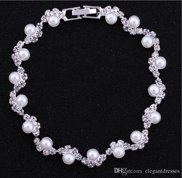 安く販売のブライダル真珠の飾られたアクセサリークリスタルビーズブレスレットブライダルハンドアクセサリーブライダルジュエリーチェーン