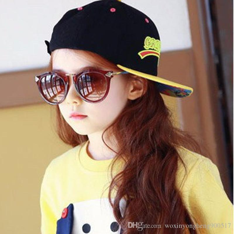 69947dd2d0 Baby Boys Girls Kids Sunglasses Vintage Round Sun Glasses Children Arrow  Glass 100%UV Protection Oculos De Sol Gafas Sunglasses Case Knockaround  Sunglasses ...