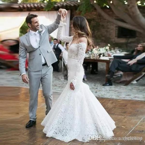 2019 Vintage Meerjungfrau Brautkleider Voller Spitze V-ausschnitt Langarm Gericht Zug Garten Strand Brautkleider Plus Size robe de mariée
