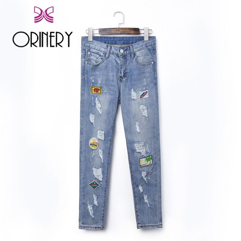 Acquista Vendita Calda Jeans Stampati Delle Donne 2018 Nuovo Jeans  Strappati Del Progettista Toppe Di Alta Qualità Pantaloni Di Jeans Di Modo Pantaloni  Di ... 784f5d41ba06