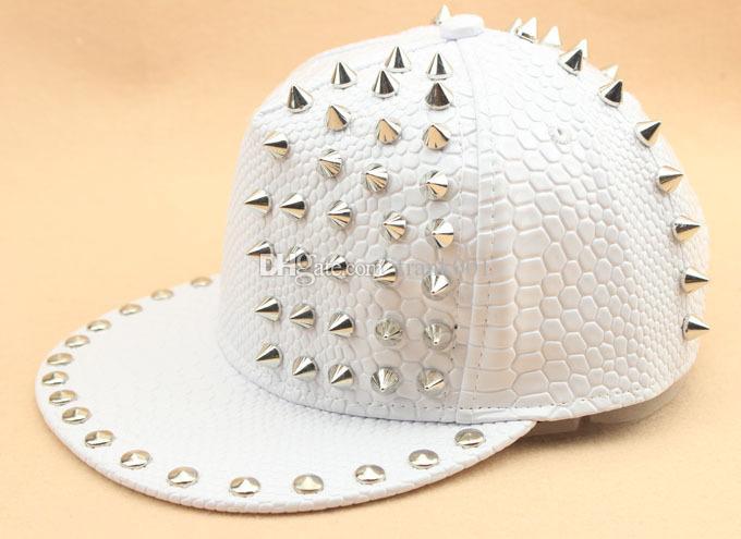 새로운 도착 솔리드 가죽 뱀 가죽 그레인 리벳 럭셔리 모자 유니섹스 캐주얼 힙합 팝 모자 패션 야구 모자 Snapback
