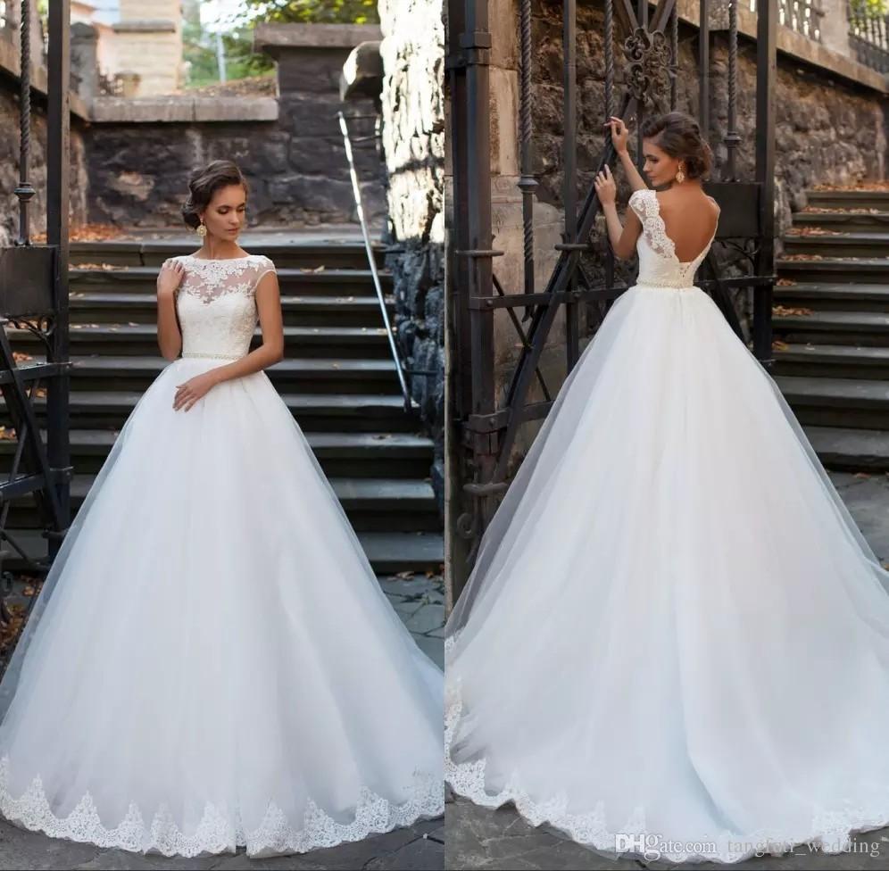 Dos ouvert élégantes robes de mariée 2017 pure encolure manches courtes en dentelle appliques robes de mariée avec des perles Ceinture Vestios De Novia