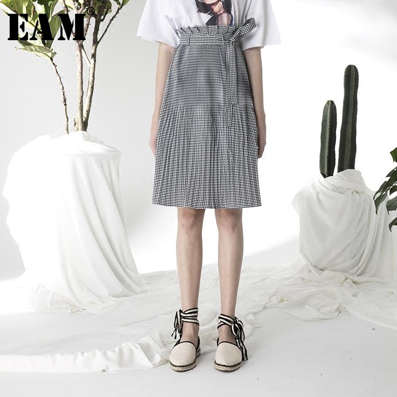 e40e4f34fe29 2019 EAM 2018 Summer Fashion New Trendy Black And White Plaid High Elastic  Waist Plaid Bandages Casual A Line Skirt Women YC53101 From Baxianhua, ...