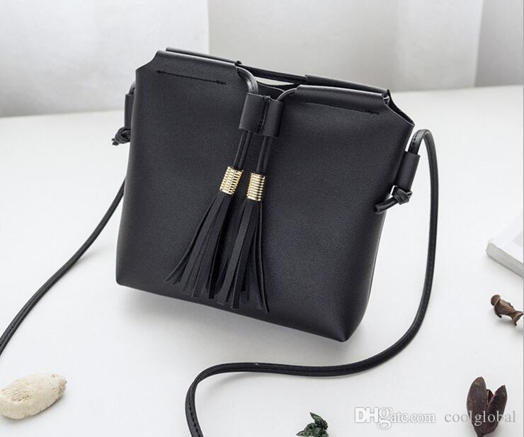 Luxury Handbags Women Bags Designer 2018 Fashion PU Leather Women Tassel Shoulder  Bag Big Ladies Hand Bags Vintage Tote Bag Sac Over The Shoulder Bags Hobo  ... 1a13125a727f