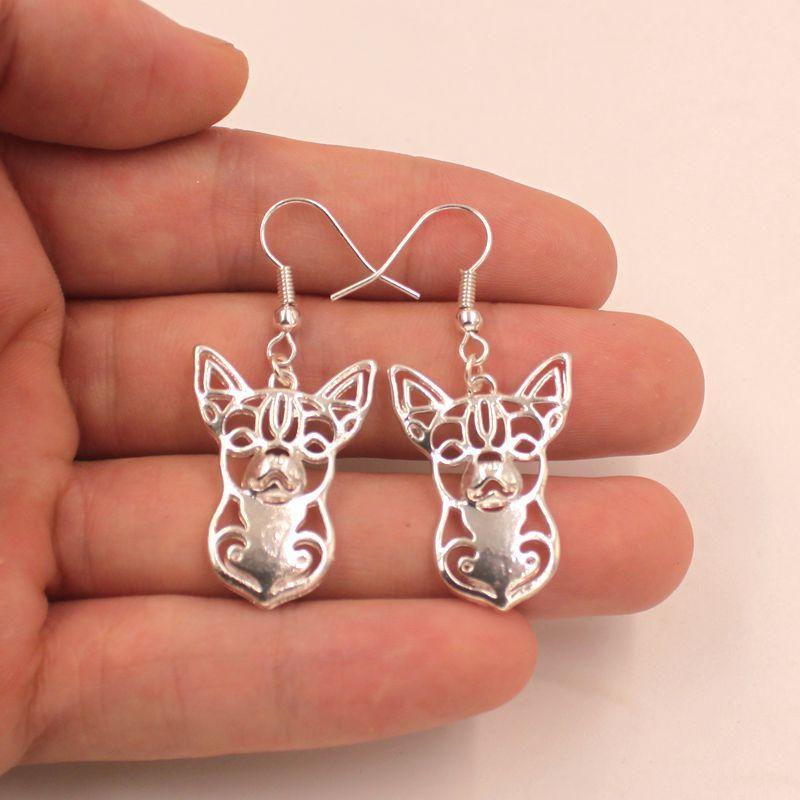 Mdogm Chihuahua Dog Animal Jewelry Sets Collana Orecchini pendenti Carino le donne Moda femminile Matrimonio Natale T034