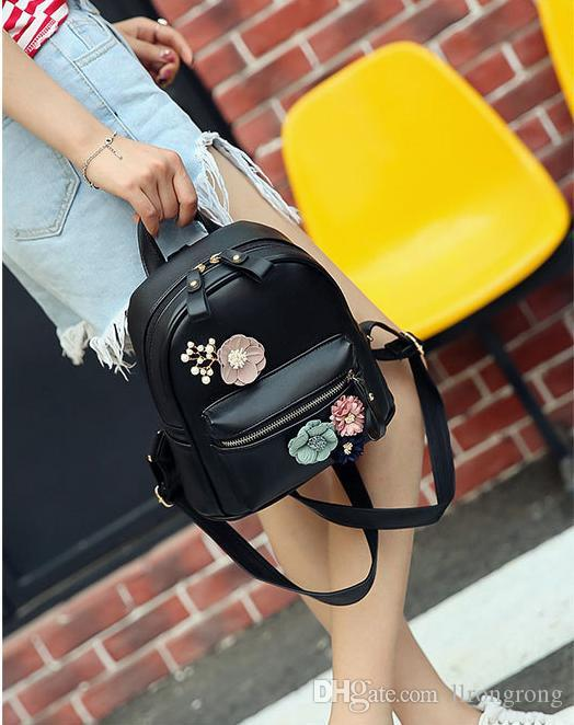 New fashion backpack.Elegant modelling design, rich interior space, show female independent character posture completely. T 141
