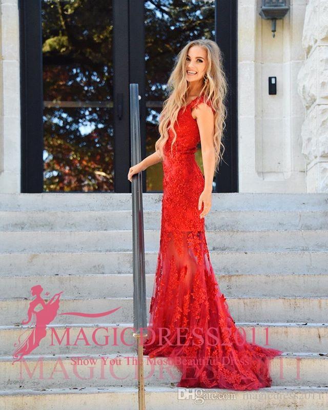 2019 Abiti eleganti classici da promenade Mermaid con scollo a V Capped manica corta Sweep Train Lace Red Abito di lusso