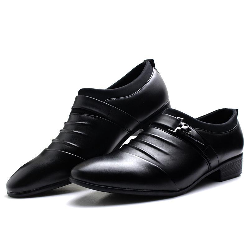 82cbc11096e Acheter 2018 Nouvelle Mode Homme Plat Classique Hommes Robe Habillée  Chaussures En Cuir Véritable Wingtip Sculpté Italien Formal Oxford Plus La  Taille 38 44 ...