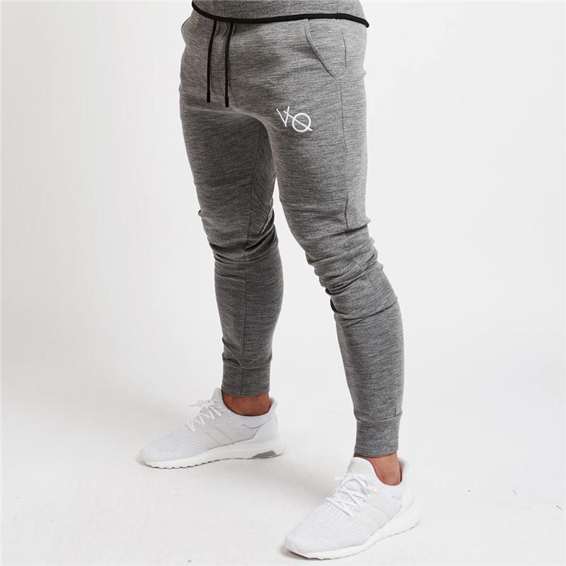 17a926c6515d4 Compre 2018 Nueva Ropa VQ Gyms En Hombres Pantalones Hombres Moda Pantalones  De Chándal Pantalones Pitillo Casuales Pantalones De Chándal De Calidad ...