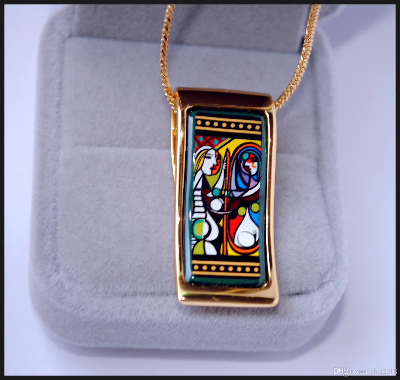 Frau vor einem Spiegel Serie Halsketten 18 K vergoldete Emaille Halsketten für Frauen Top Qualität