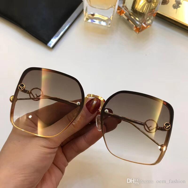 7dc1f345fdc37 Compre 2018 Nova Moda Óculos De Sol Do Vintage Mulheres Marca De Grife De  Luxo Famosa Marca Feminino Óculos De Sol Senhoras Meninas Clássico Quadrado  Óculos ...