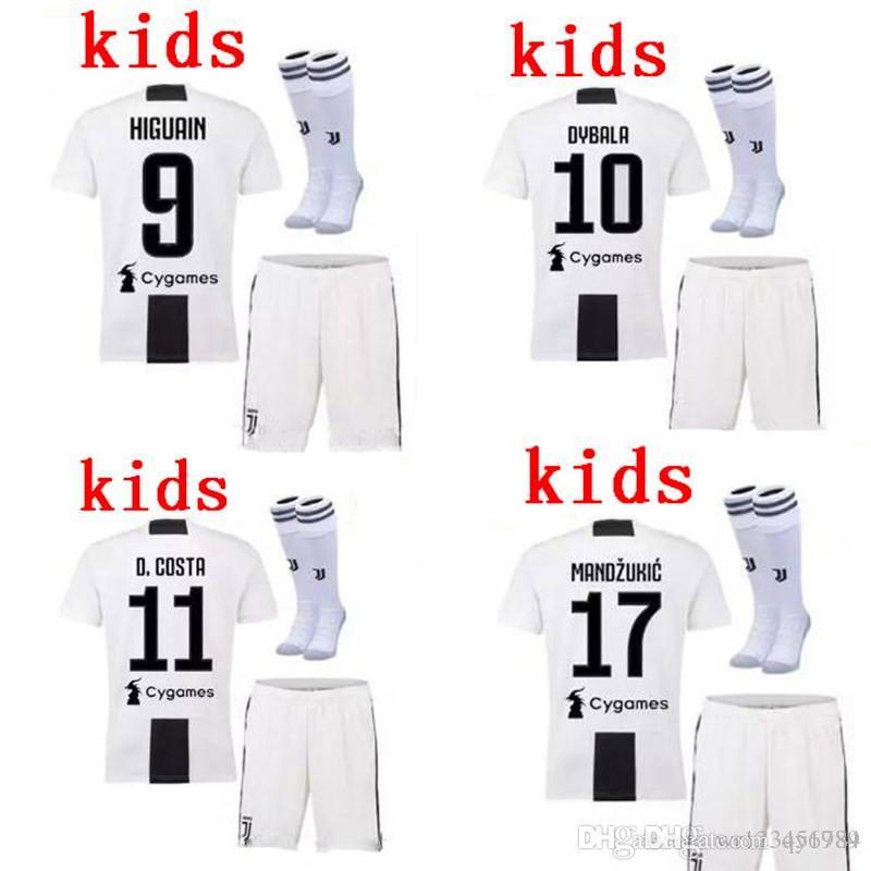 d8f8c35f29 Compre 18 19 Crianças Juve Kit + Meias DYBALA Futebol Em Casa Jersey  HIGUAIN BUFFON 2018 2019 Juventusing D. COSTA Camisa De Futebol Camisas  Uniformes + ...