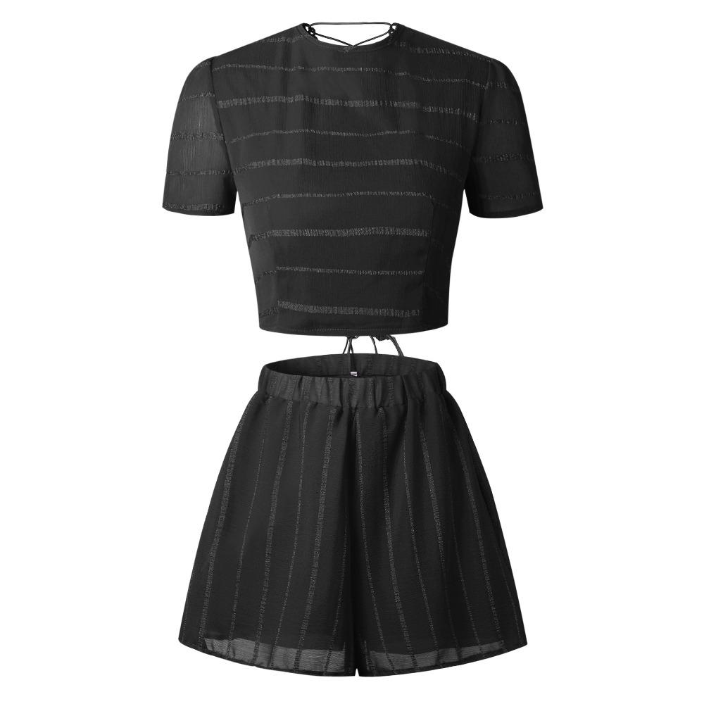 Acquista Stringate Donna 2 Pezzi Set Back Sexy Manica Corta Backless Crop  Top Femme Red Black Shorts Abiti 2018 Summer Fashion A  31.56 Dal  Zhaolinshe ... 5733778a09b