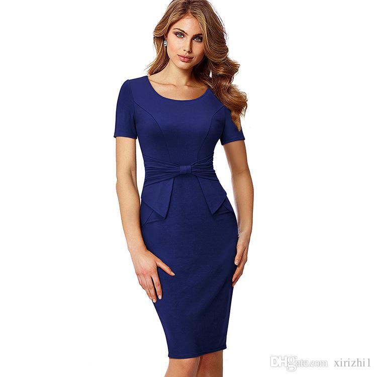 Vestido azul marinho com vermelho