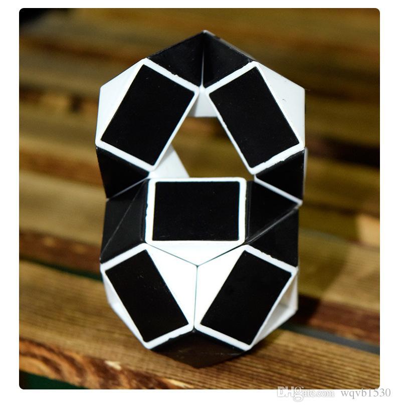 직접 판매 어린이 퍼즐 마술 통치자 24 섹션 접는 감압 마술 큐브 장난감 핫 판매 마구간 도매