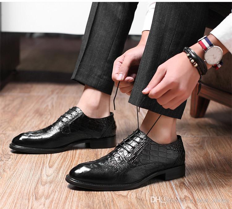 2018 a new dress shoes,business shoes,lace-up,crocodile pattern,brown and black.The best choice for a business man.