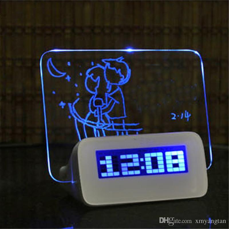 Синий зеленый LED флуоресцентный цифровой будильник Электроника с Доска объявлений USB 4-портовый концентратор для Бесплатная доставка