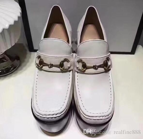Los zapatos de las mujeres de la calidad AAAAA tachonaron los zapatos de las botas de los mocasines de Horsebit, plataforma de los 6cm Heel + 6.5cm, pernos prisioneros de cristal en los talones, tamaño 35-40, envío libre
