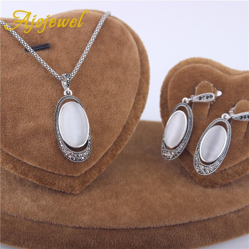Ajojewel Nuovo arrivo White Opal Set di gioielli 2017 Vintage Jewelry Set Stone Orecchini Collana pendente