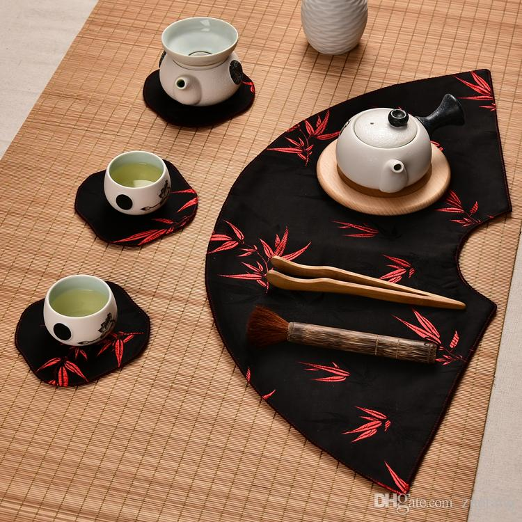 Fan shaped Elegant Geometric Chinese Silk Placemats Large Dining Table Plate Mat Coffee Pads Table Cloth Luxury Small Table Runner 48x22 cm