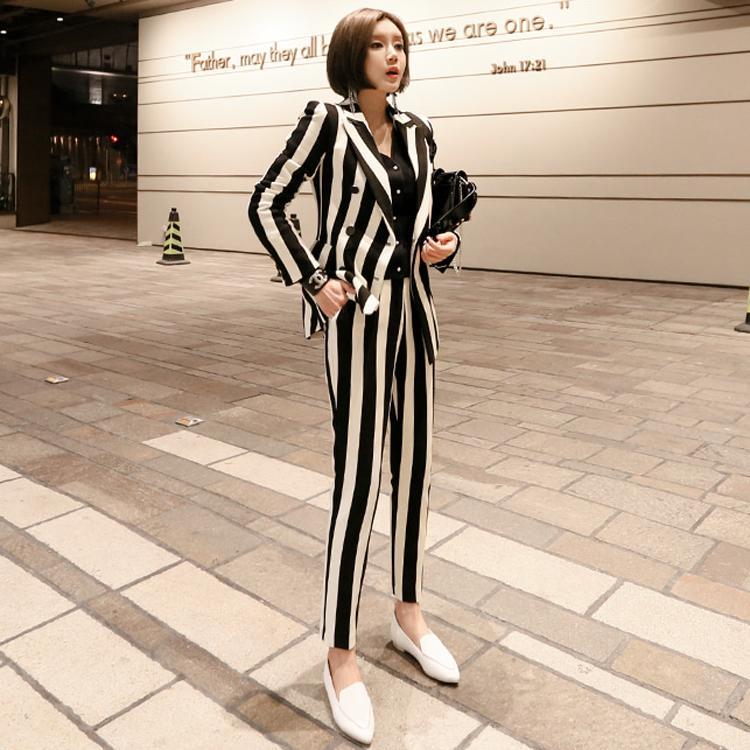 e807f35f2 Compre Mulheres Blazer Conjunto Coreano Preto Branco Listrado Double  Breasted Negócio Formal Calças Ternos Escritório Senhora Desgaste Do  Trabalho Roupas ...