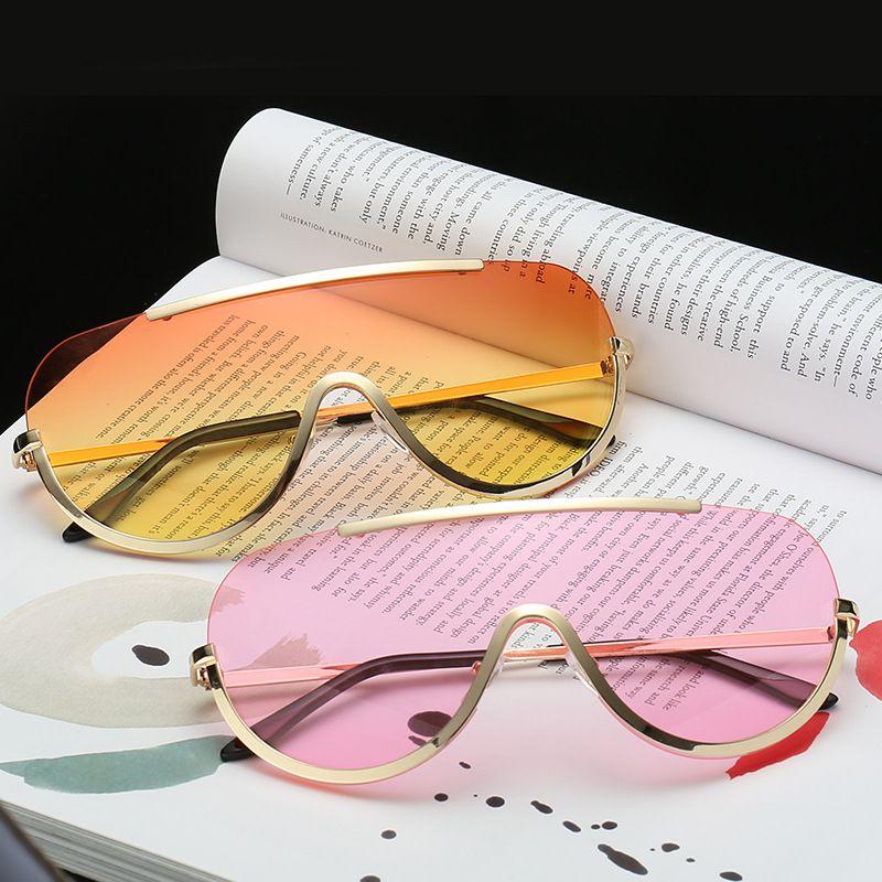 2073e5659e5f Compre Gafas De Sol De Moda De Gran Tamaño Gafas De Sol Para Mujer Marco De  Metal Gafas De Sol De Color Rosa Amarillo Transparente Gafas De Protección  UV ...