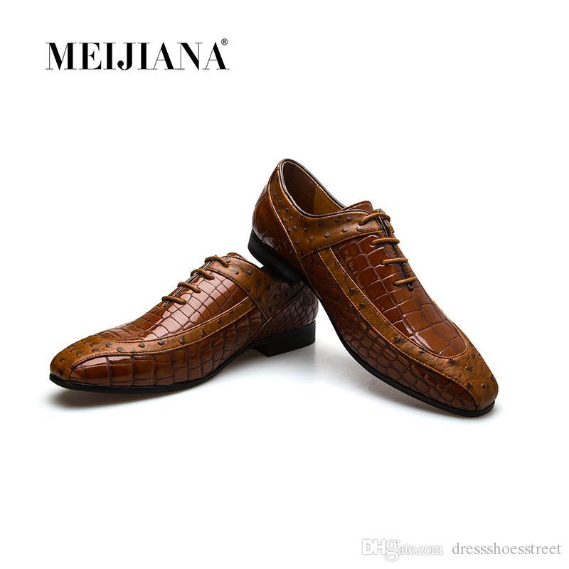 best service 9b1a7 4080d Talian Herren Schuhe Leder Braun Luxus Geschnitzte Toe Oxford  Hochzeitsbankett Echtem Leder Schuhe Business Männer Schuhe