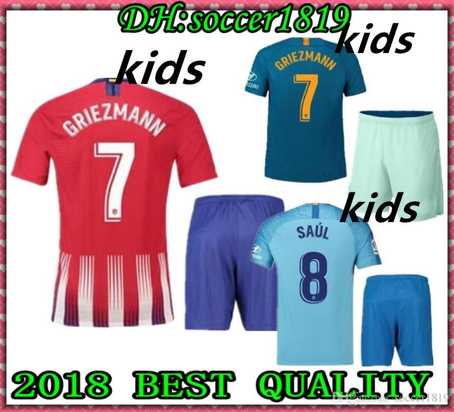 2018 2019 Atlético De Madrid Kit De Fútbol Para Niños Camiseta De Tercer  Club Lemar Correa 18 19 GRIEZMANN DIEGO COSTA Hogar Lejos Tercer Hijo De  KOKE Niños ... 94b5898c73b4e