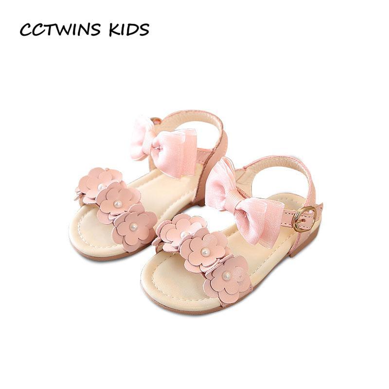Acquista CCTWINS BAMBINI 2018 Estate Ragazza A Piedi Nudi Sandalo A  Farfalla Toddler Moda Perla Festa Principessa Scarpa Bambino Brand Piatto  Bambino BP394 ... d1c9c7c1249