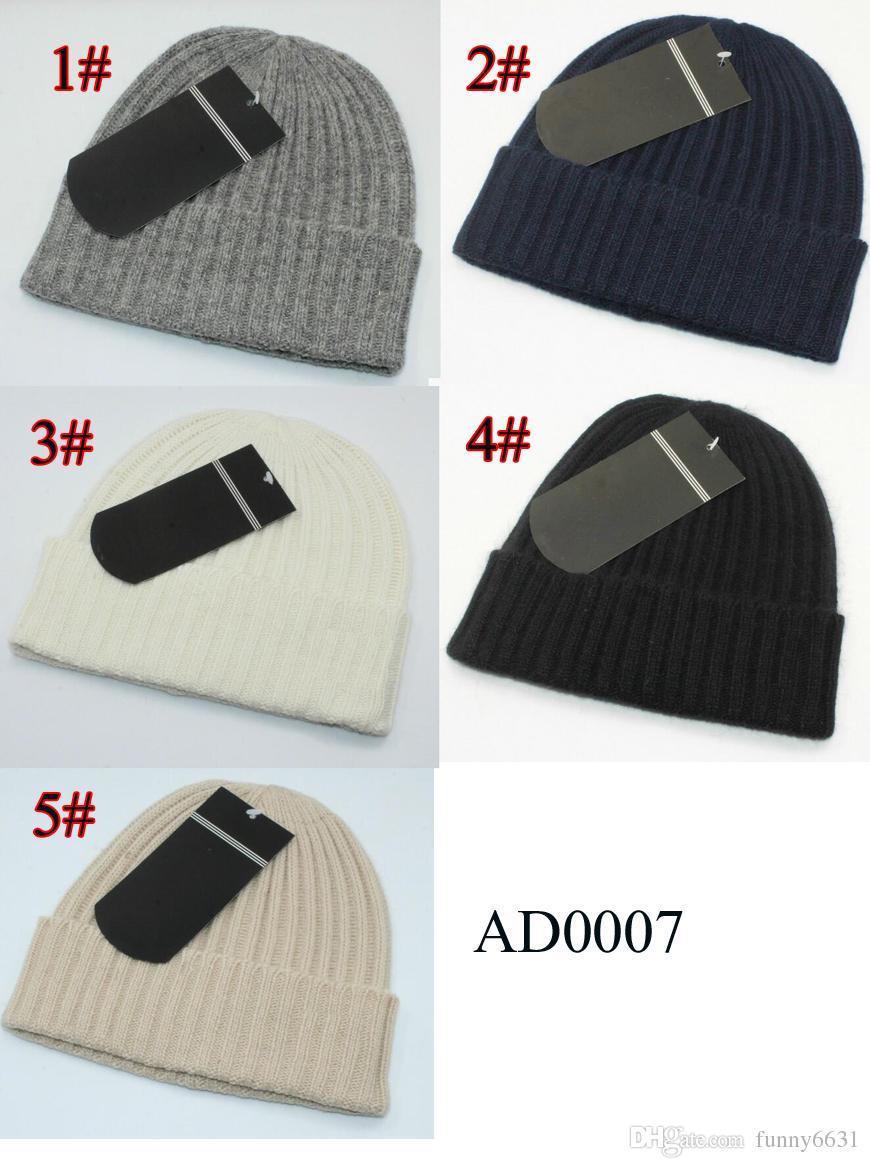 Acquista Autunno Inverno Brand Design ADI Uomo Cool Fashion Cappelli Donna  Knitting Hat Unisex Cappello Caldo Cappello Classico Brand Maglia Cappello  i ... a0975456a47a