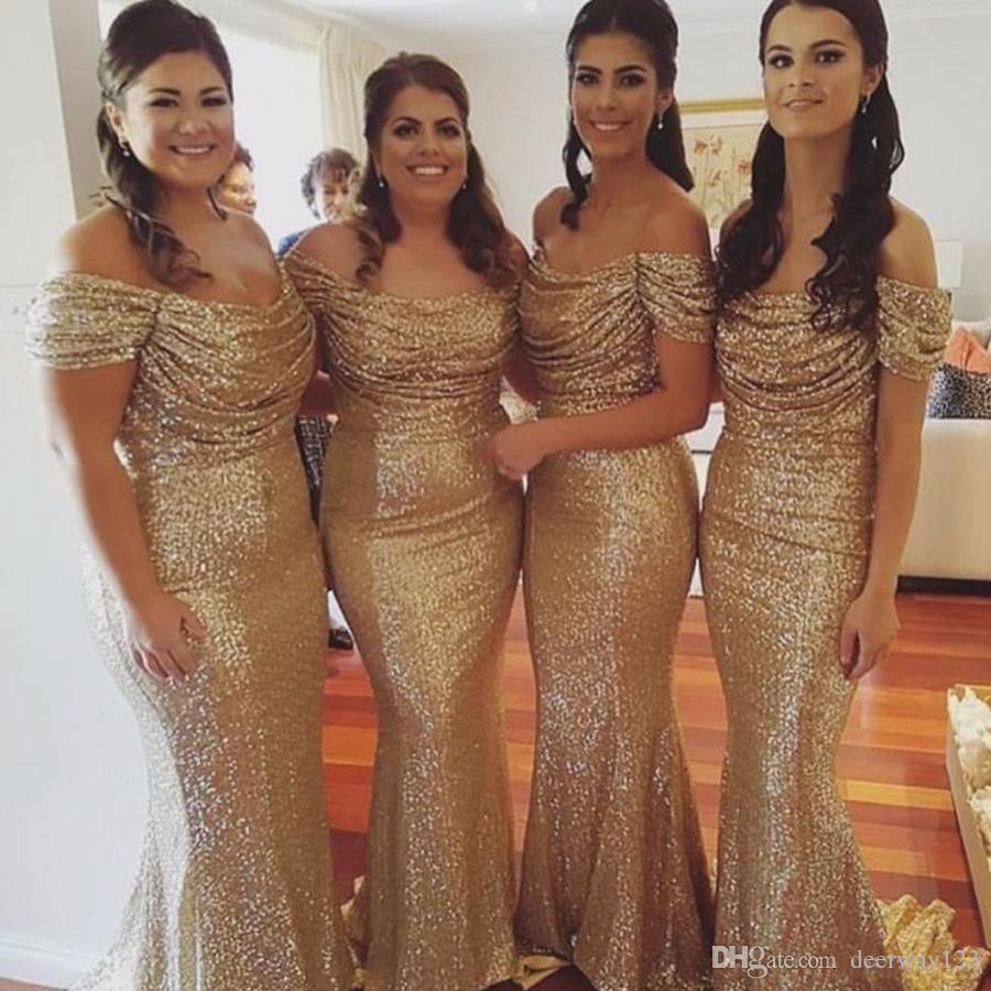 Elegante sirena fuera del hombro Vestido de dama de honor con lentejuelas doradas Lentejuelas acanaladas Elegante vestidos de dama de honor baratos largos para la boda