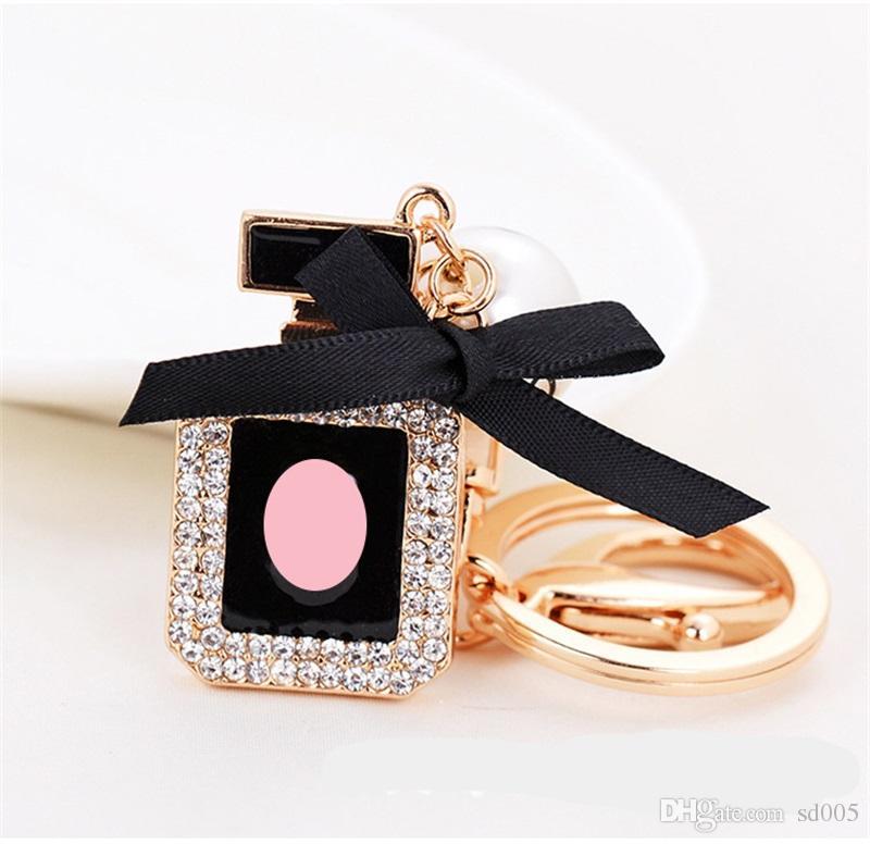 Brillante Rhinestone Shiny Perfume Bottle Forma Llavero Diseño de lujo Bling Llavero Para El Bolso Del Coche Fundas de Diversión Llaves Hebilla 8 8ch Z
