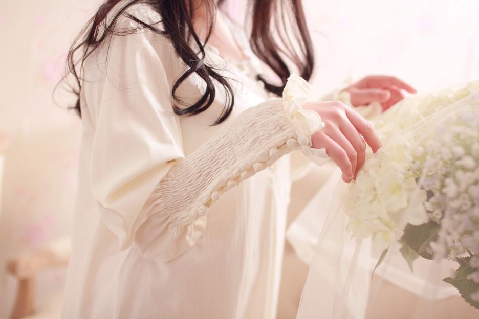 Moda Sonbahar kadın Uzun Nightgowns Gül Düğmeler Dekorasyon Uzun Kollu Gecelik Pijama Eski Prenses Pijamas Elbiseler