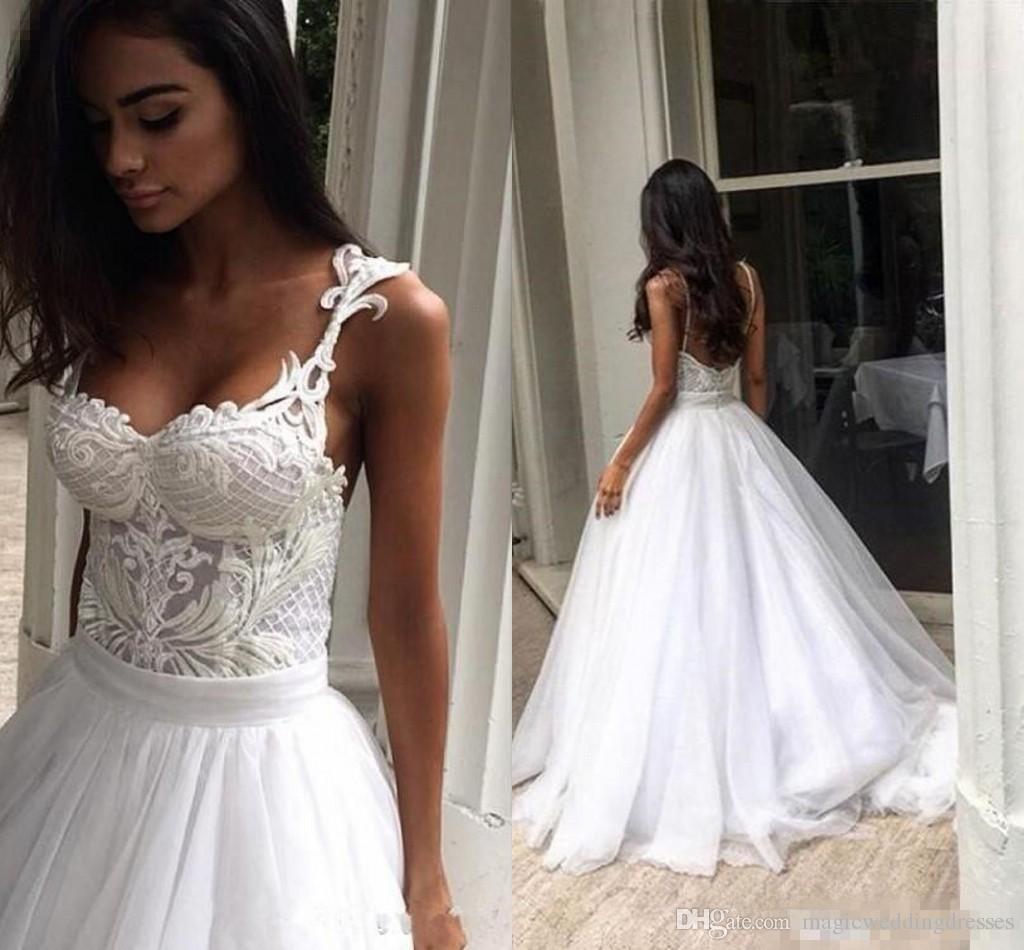 Sexy Modest Spaghetti Puffy Tulle Skirt Beach Wedding Dresses 2018 Backless Sweep Train Summer Holiday Boho Wedding Reception Dress