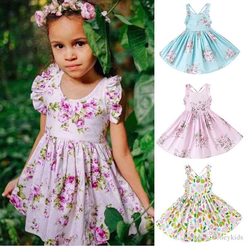 cca11e4cd45b Acquista Vestito Floreale Bambini Abbigliamento Bambini 2018 Vestito Estivo  Con Pieghe A Fiori Vestito Da Principessa In Cotone Senza Maniche EC 736 A  ...