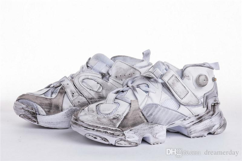 d5416bbbfae6e8 2018 VETEMENTS X 2018REBOOK Genetically Modified Pump White Running Shoes  For Men With Original Box CN0408 36 45 UK 2019 From Dreamerday