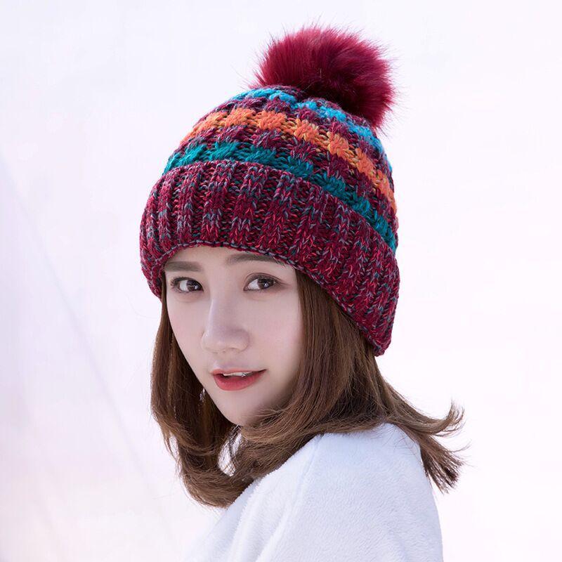 5c092d11df97 Девушка теплые шляпы 2018 новый бренд мех pom poms мяч вязаные шапки шарф  Hat зима ...