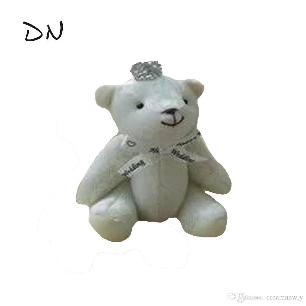 Compre Brinquedo De Pelúcia Urso Menino Coroa Urso Buquê Pouco Urso Pequeno  Presente De Casamento Pingente Marrom Branco De Dreamnewly e088fce96604