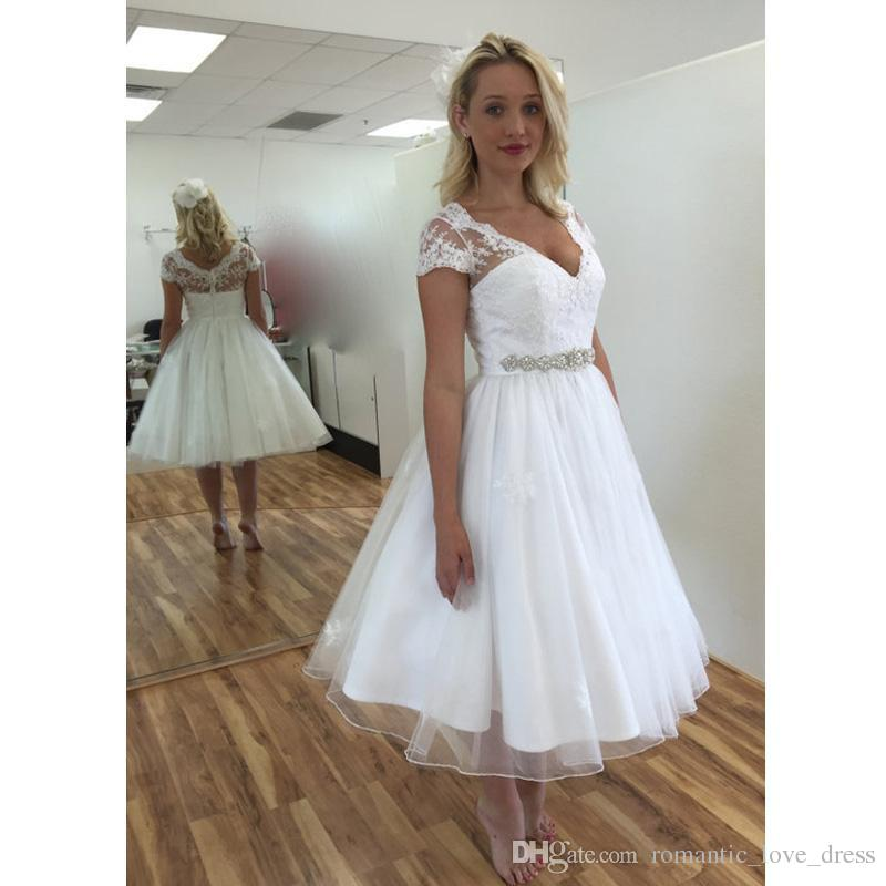 compre 2018 vestidos de novia de encaje corto estilo vintage cuentas