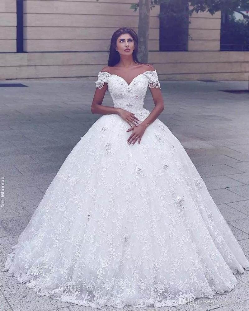 Großhandel Arabisch Weg Schulter Ballkleid Brautkleider 20 Luxus Top  Qualität Puffy Bodenlangen Hübsche Spitze Mit 20D Blumen Appliques  Brautkleid