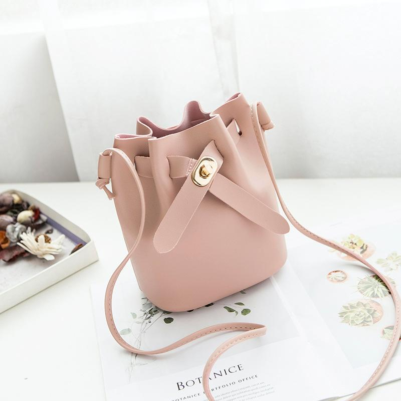 0ac266a19f4d4 Women Bucket Bags Pink Female Crossbody Bag Designer PU Leather Shoulder Bag  Tassel Handbag Ladies Bolsas Femme Tote Crossbody Bags Satchel From Gadarr