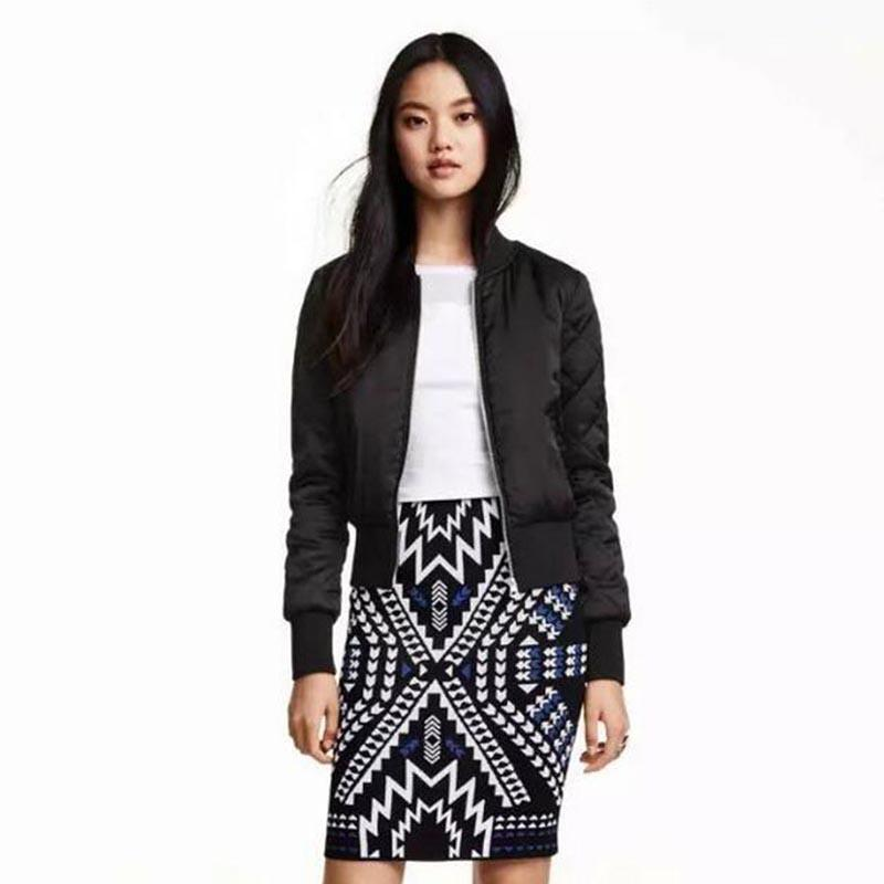 Gizmosy 2017 Trendy Women V-Neck Quilting Quilted Jacket Short Thin Padded Bomber Coat Pilots Outerwear Tops SY066