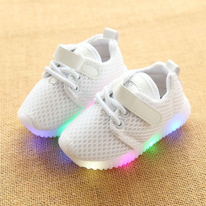 3fcbd80f Compre Nuevos Niños Zapatos Luminosos Niños Niñas Zapatillas Deportivas Zapatillas  Para Bebés Luces Intermitentes Zapatillas De Deporte Niño Pequeño ...